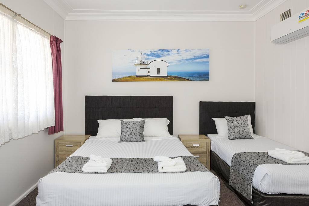 Port Macquarie Motel room